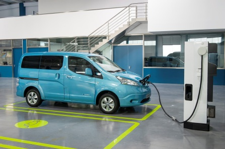 Charging-the-Nissan-e-NV200