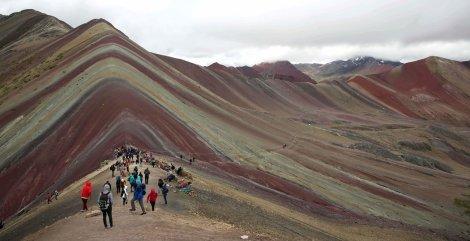 montana_colores_peru_impacto_ambiental_486586486458645