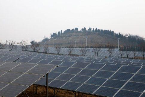 Autopista-solar-para-generar-energía-innovación-en-China2-1024x683