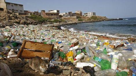 Un-millón-de-botellas-de-plástico-cada-minuto